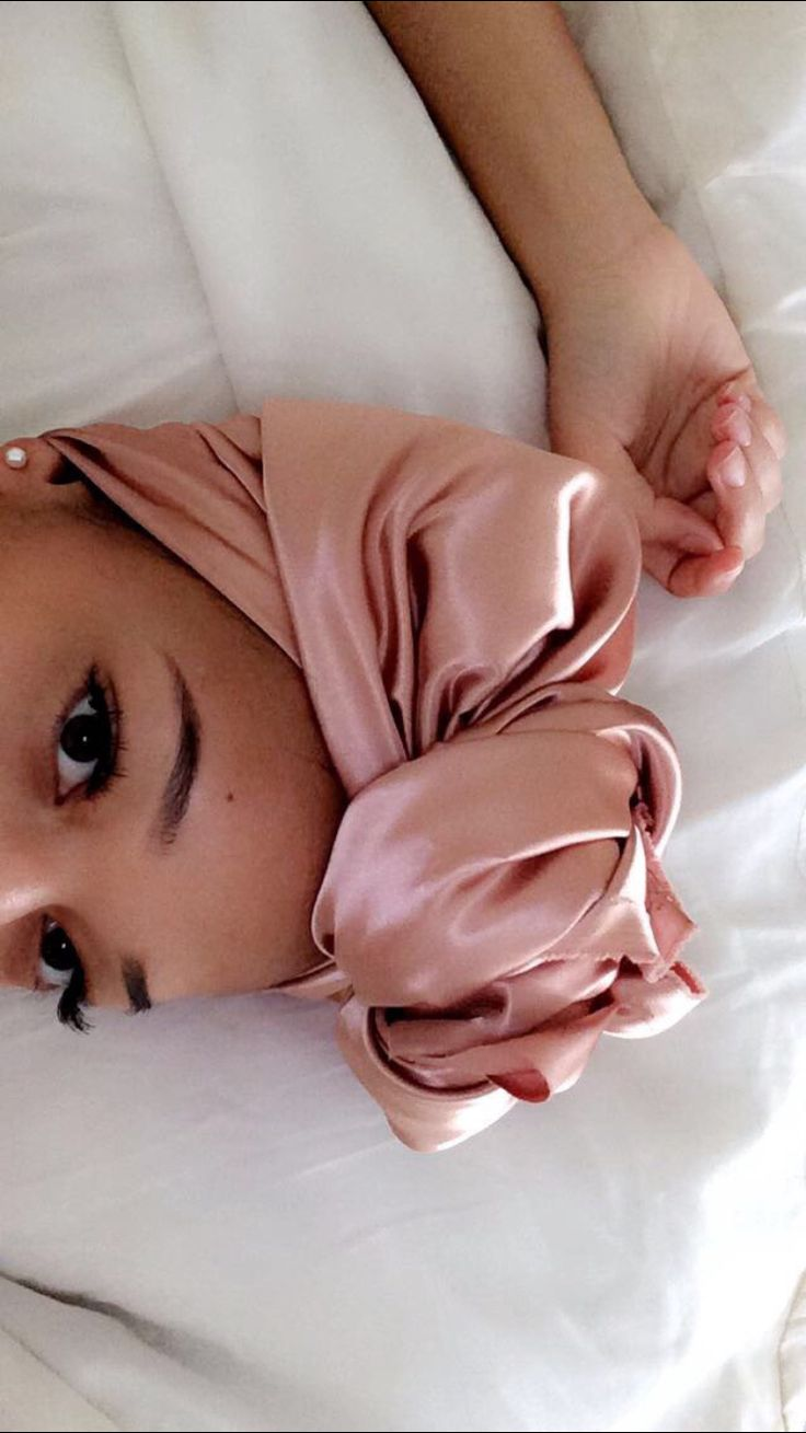@jordancurls Always use satin head wraps at night or buy a satin pillowcase. Having a cotton pillowcase &/or head wraps will dry out your hair & cause it to brittle. Cotton is an absorbing fiber.