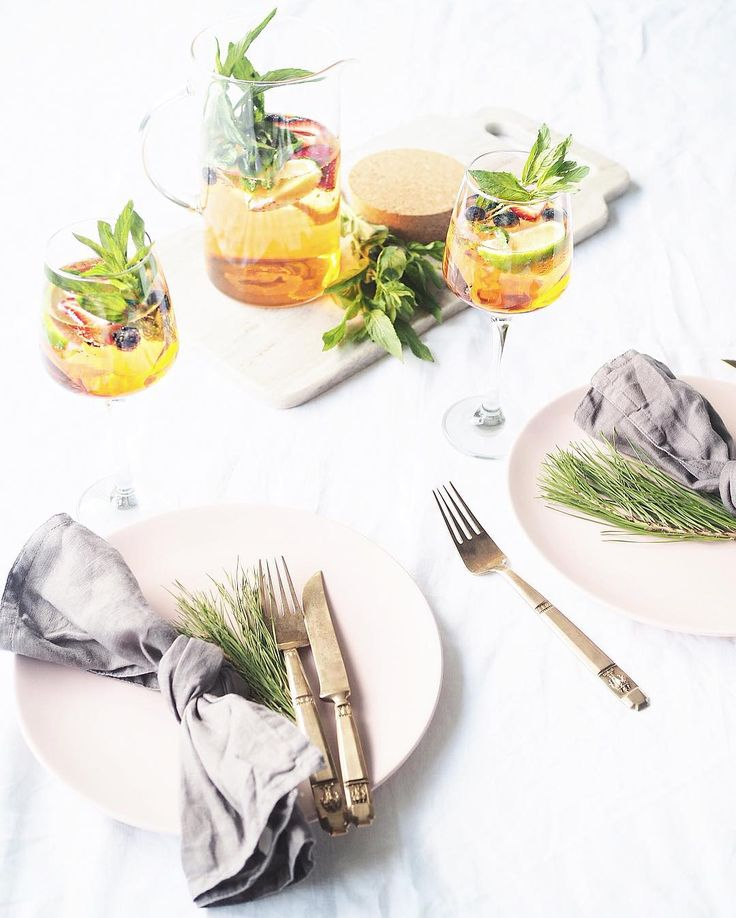 Celebrating hump day over dinner with a bit of @aperolspritzau on the side. Head over to their account and enter a competition to win 2x tickets to the final of the Australian Open, plus a $2,000 Flight Center voucher and more! #TULAperolSpritz #AperolSpritzSummer @urbanlistsyd 🍷🌸💞✨