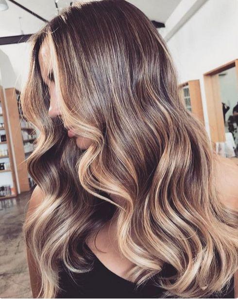 long hair hihglights brunette ombre wavy  easy long hair ideas