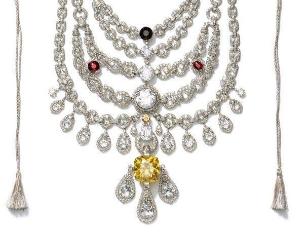 Cartier | Patiala necklace. Encargo del maharajá de Patiala –la ciudad más grande del Punjab– 1925. Uno de los collares más espectaculares de la historia.
