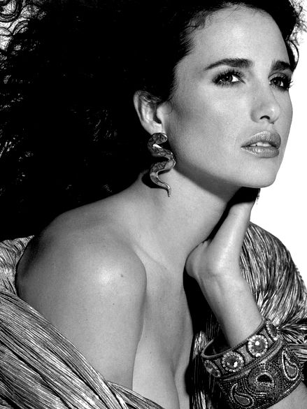 Andie Macdowell. Another beautiful and timeless face. Love herrrrr