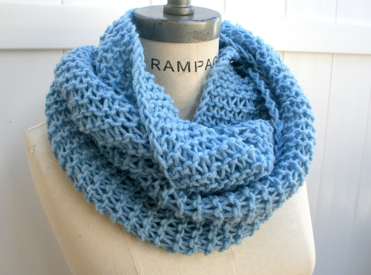 Knit Infinity Scarf Inspired by Rissa http://thewalkblog.tumblr.com/post/35072359231/seen-rissa-papillion-2015