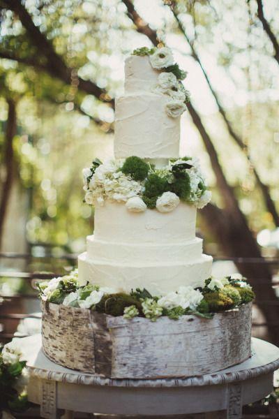 #wedding #cakes #weddingcake #flowers #lace #decoration