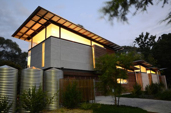 Troppo Architects - The Creek Chic house in Adelaide, Australia uses passive solar design, cross ventilation and lightweight construction materials to have as little impact on its environment as possible