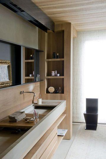 Un meuble de salle de bains avec portes coulissantes - Le meuble de salle de bains se fait chic en 13 photos - CôtéMaison.fr