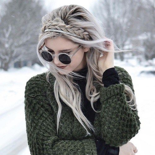 Loose Hairstyle With A Headband Braid