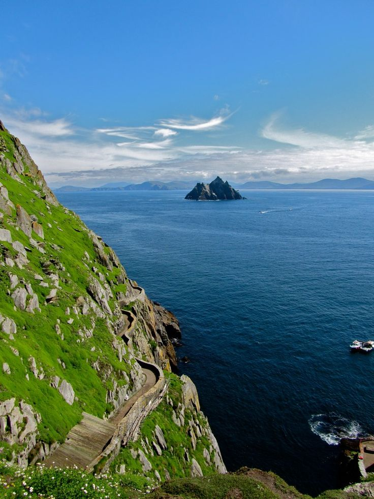 Valentia Island, Ireland (by regienbb)