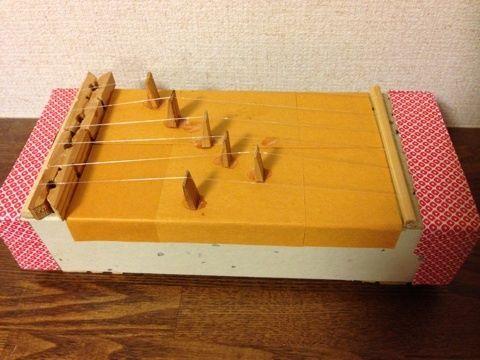 空き箱 ギター 弾ける - Google 検索
