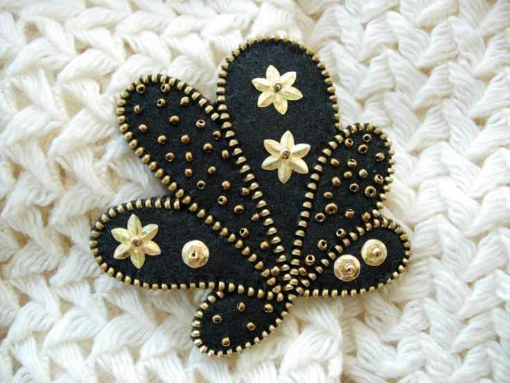 Black+felt+zipper+brooch+pin+by+Mananko+on+Etsy,+$26.00