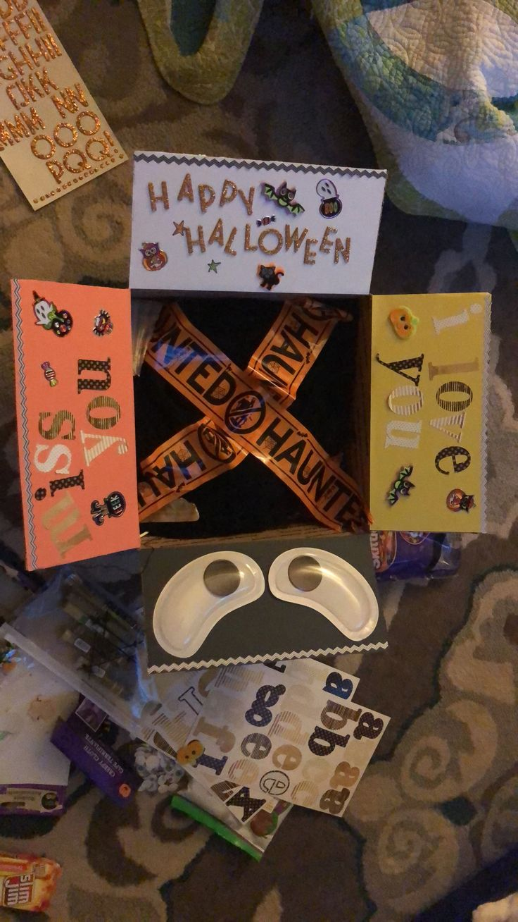 Halloween care package for my boyfriend! Super easy & half the items were from dollar tree! ❤️ #halloween2017 #militarylife #deployment #carepackage #militaryinspired #halloweendecor #boyfriend #mail #afghanistan #army