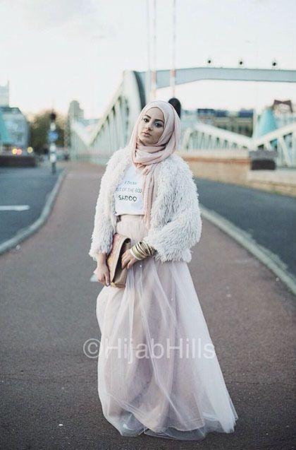 Hijab Style: Gaya Street Chic Riba Zai, Fashion Blogger Asal Belanda 4