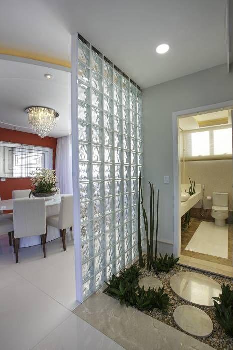 Baños de estilo translation missing: mx.style.baños.moderno por Arquiteto Aquiles Nícolas Kílaris
