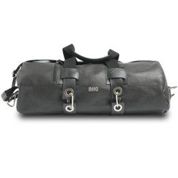 Handmade by Italian artisans, ATTO's bags come in either full leather or decked with recycled bike tube rubber. #travel #gear #luggage