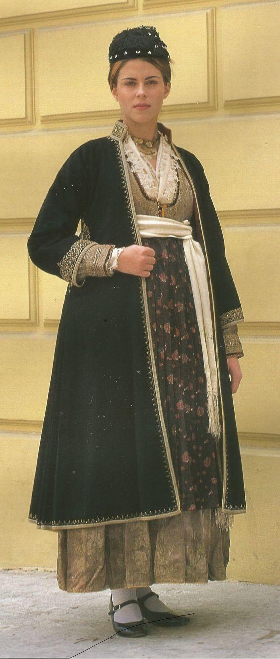 """Βέροια Ημαθία.Traditional clothes, Veria of Imathia, Macedonia, Greece - Βέροια Ημαθίας-Συλλογή θεάτρου """"Δόρα Στράτου"""""""