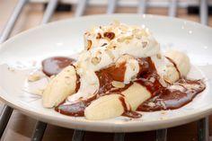 RESEP ES BANANA SPLIT KARAMEL Kalau resep yang satu ini bukan cara membuat dari awal proses es krimnya ya bunda, tetapi variasi dalam penyajian es krim yang dipadukan dengan buah pisang dan bahan-bahan yang lain. Tentunya sangat menarik dan mempunyai rasa yang lezaat. Mari kita segera praktekkan membuat Es Banana Split...  https://follio.me/resep-es-banana-split-karamel/?utm_source=PN&utm_medium=Resep+Bunda&utm_campaign=SNAP%2Bfrom%2BResep+Masakan+Sederhana+Indonesia+Rahas