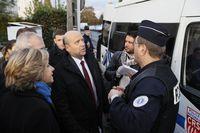 Primaire de la droite: Alain Juppé cajole les policiers