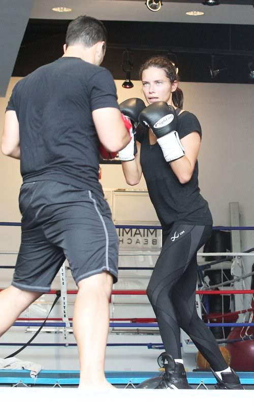 Adriana Lima boxing | Adriana Lima boxing workout 10/25 in Other Pics Forum