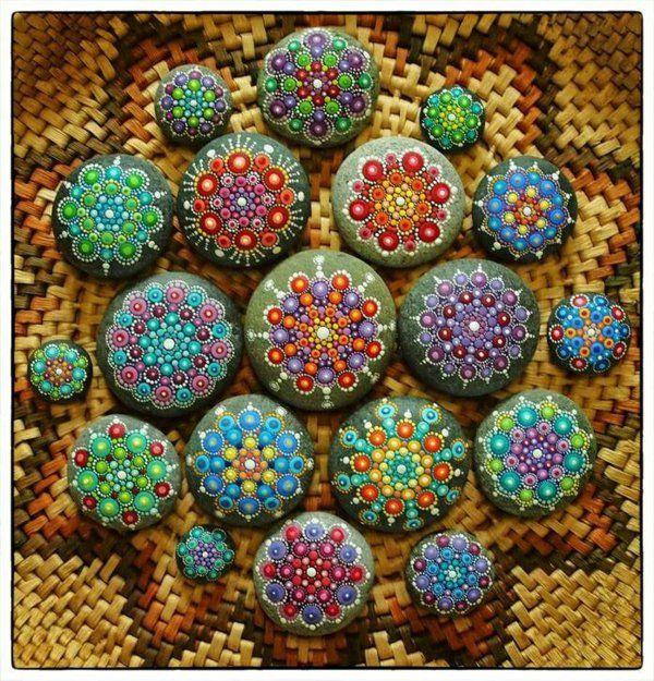 mandalas erwachsene flusssteine dekoration