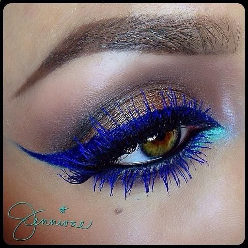 I love this look! Especially the blue eyeliner and blue mascara.