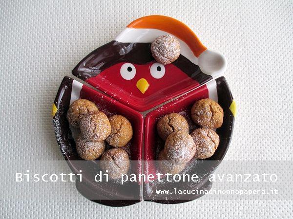 I biscotti di panettone avanzato ti serviranno per terminare avanzi di panettone o di pandoro rimasti dalle feste Natalizie.