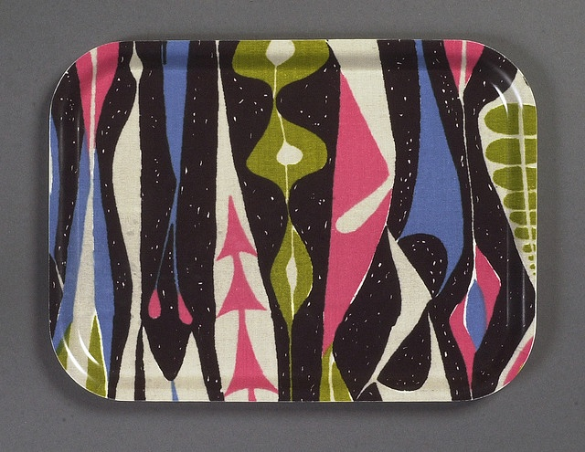 "Stig Lindberg ""Bulbous"". 1947. Print on cotton for NK Textile Design Studio. A birchwood tray with a protective melamine coating."