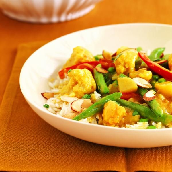 20 Low-Cal Slow-Cooker Recipes : No Need To Hurry Vegetable Curry http://www.prevention.com/food/healthy-recipes/healthy-low-calorie-slow-cooker-recipes?s=3&?adbid=10152809740696469&adbpl=fb&adbpr=87494991468&cid=socFO_20141111_35413797