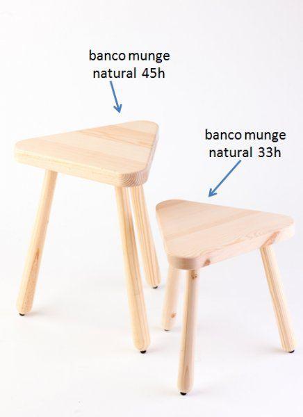 BANCO MUNGE COR NATURAL. PINHO MACIÇO PORTUGUÊS.ALTURA DO BANCO: 45 cms