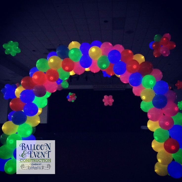 Our Customer, @iheartballoons, located in Jacksonville, Florida created this stunning glowing masterpiece out of Lite-a-Loon™ Balloons! #balloonconstructioncompany #burtonandburton #litealoon #LEDballoons
