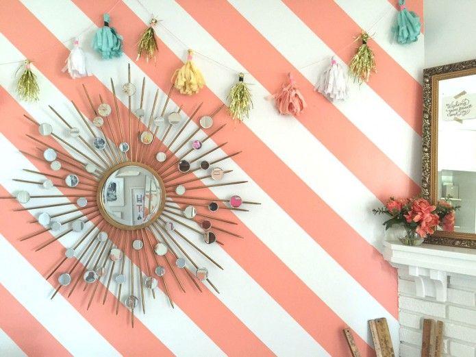 À Faire: Un mur rayé et une guirlande de papier #Stripes #DIY Tassel Garland DIY