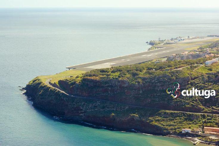 Pista do Aeroporto da Ilha da Madeira, em Portugal. Roteiro de viagem