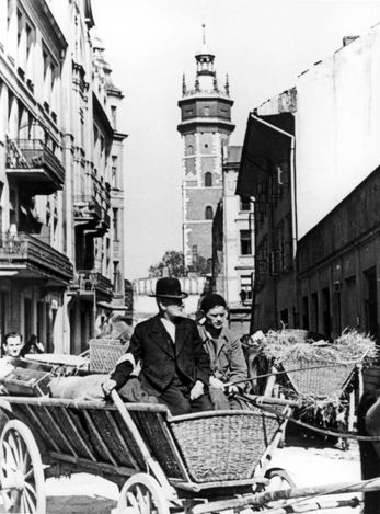 Kraków, Poland, Jews transferring their belongings to the ghetto in carts.