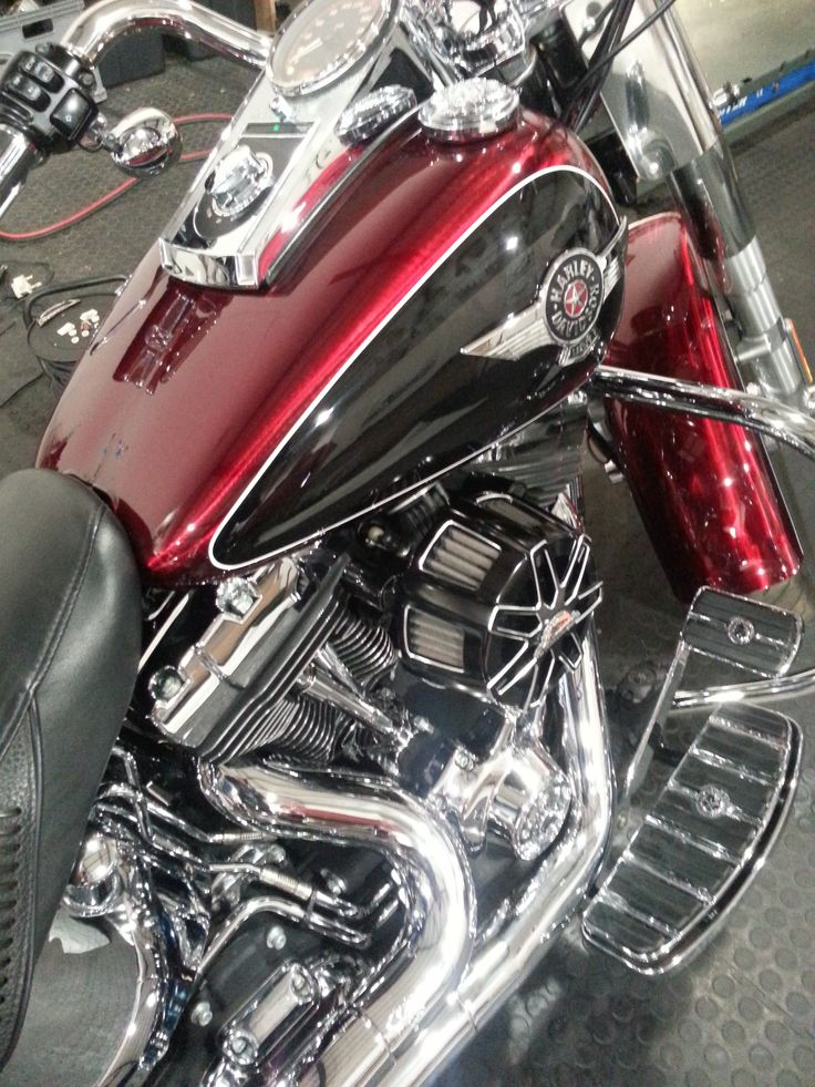 A #harleydavidson #fatboy we finished in #candyapplepaint  Blood red Candy on #rawmetalfinish with #pinstriping #galaxycustoms