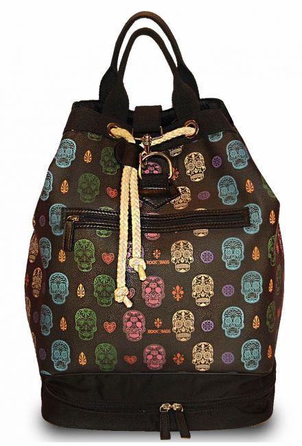 De designer tassen worden in Toscane gemaakt en zijn een combinatie van hoogstaande technologie en ouderwets vakmanschap. -