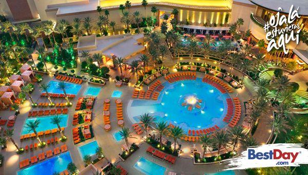 Te espera un lujo increíble en el Red Rock Casino Resort and Spa. Este espectacular hotel de Las Vegas tiene un excitante casino y un patio posterior cubierto de hermosas piscinas y cabañas privadas. Aquí podrás disfrutar de una grata relajación en el spa del hotel, que también cuenta con un salón de belleza y un gimnasio. Todas las instalaciones te ofrecen increíbles vistas a los alrededores. #OjalaEstuvierasAqui