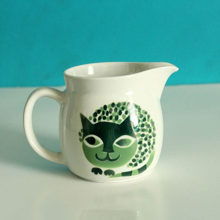 Kaj Franck cat pitcher . Arabia of Finland cat creamer . green cat ceramic mug . mid century cat dish, 1960s by aorta on Etsy https://www.etsy.com/uk/listing/278978738/kaj-franck-cat-pitcher-arabia-of-finland