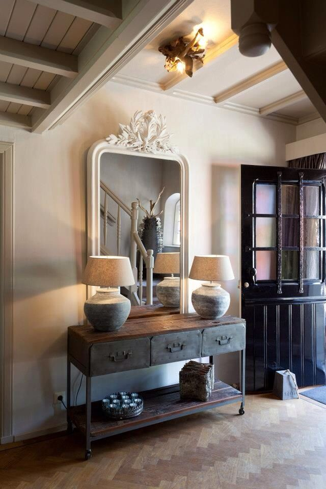 console table, lamps and large mantel mirror lovingly repinned by www.skipperwoodhome.co.uk