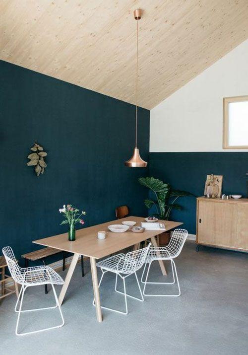 Osez Le Mur Vert Bouteille Pour Structurer Votre Piece Et Apporter