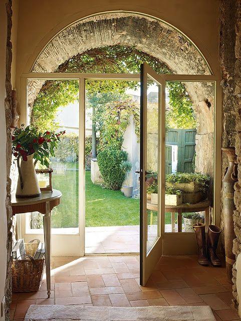 Porte vitraille pour ambiance lumineuse