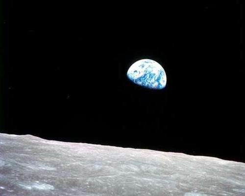 8 images of Earth as seen from space: Earthrise at Christmas