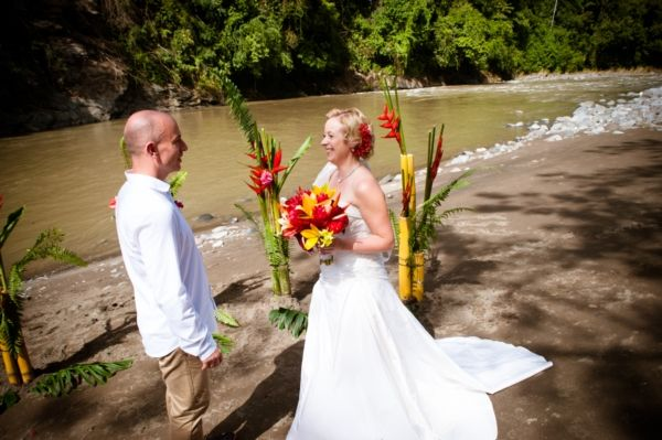 1 River side ceremony Photography by Mike Blum. For more ideas and information visit us at www.costaricaparadisewedding.com