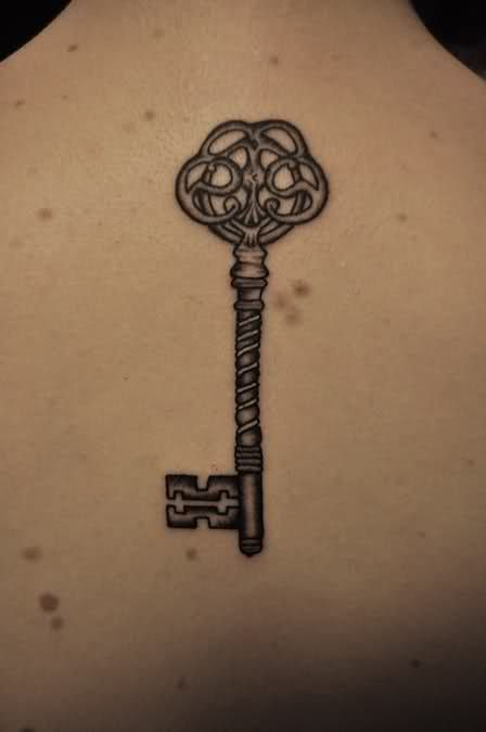 Simple Design of Skeleton Key Tattoo Design | Trendvee