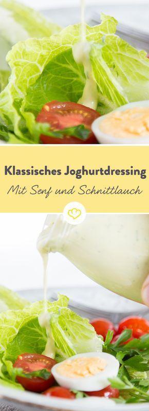 Cremig-leicht und einfach das Beste, was deinem Kartoffel- oder Blattsalat passieren kann: Joghurtdressing mit Senf und Schnittlauch