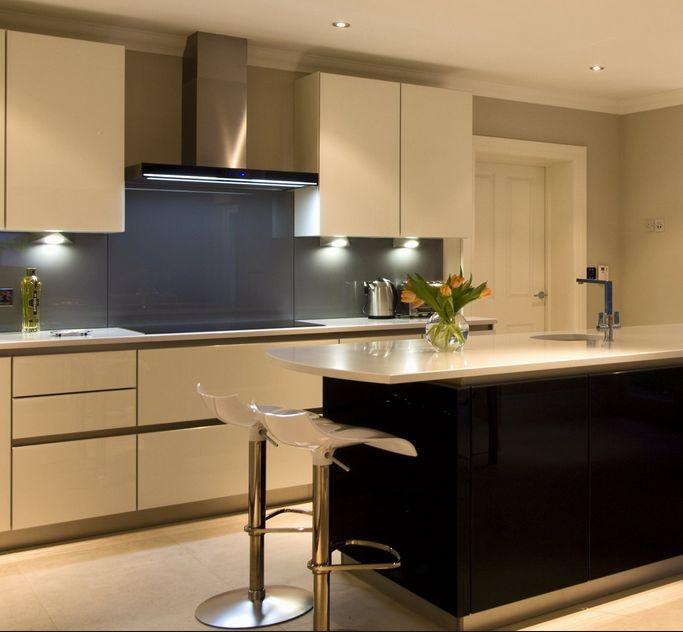 best 25 k chenr ckwand aus glas ideas only on pinterest. Black Bedroom Furniture Sets. Home Design Ideas