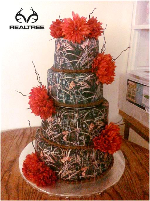 camo wedding cake with red flower decor - Orange Camo Wedding Rings