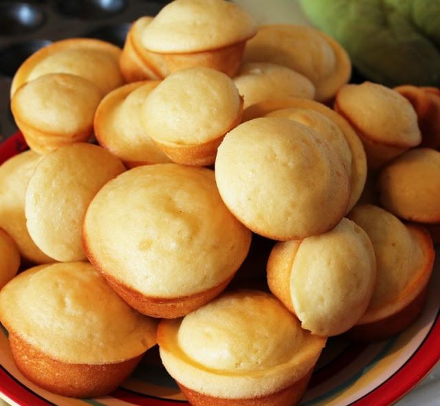 Greek Yogurt Muffins (Substitute: Bob's Red Mill All-Purpose GF Baking Flour)