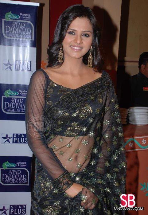 Saree Blouse Idea: TV Actor Daljeet Kaur in 2009, via @sunjayjk