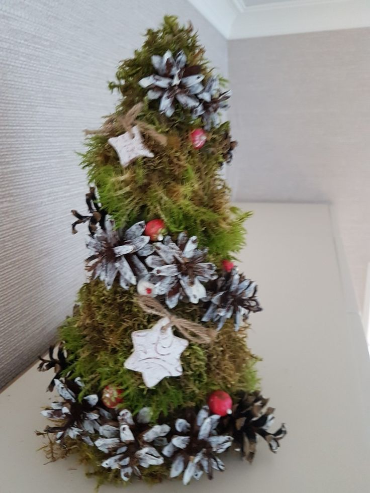 Moss new year tree