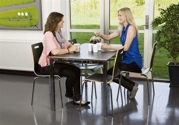 Oporto HighLine bord 80x130 og 4 stole - Highline sættilbud - Sættilbud - Katalog | Inventarland.dk 3600