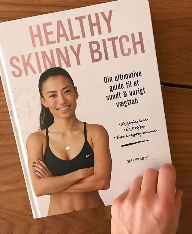 A special gift on a friday; not a better way to kickstart my weekend.  New book out, Healthy Skinny Bitch. Looking forward to be inspired about training and a healthy diet.  Congrats with this fine release, @healthyskinnybitchdk  #newbook #healthydiet #healthyskinnybitchdk