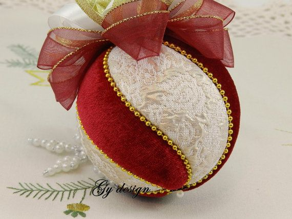 This ornament is made with special gold model fabric (brocade) and burgundy velvet use techniques kimekomi. This ornament is of my own unique design and